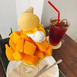 プチ フェーブ - 完熟マンゴーパフェ