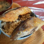 クロモンカフェ - 鮭とブリ