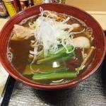 高円寺肉汁うどん 夕虹 - つけ汁は具沢山!