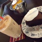 モクセイ - アイスチャイとガトーショコラ