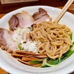 中華そば うえまち - 麺は、あらかじめ、味付けされています。
