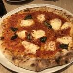 RIGOLETTO ROTISSERIE AND WINE - ランチコースのピザ(10インチ)