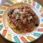 パスタランテ - 料理写真:ベーコンとナスのトマトソース 1020円