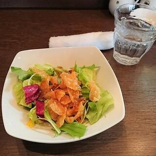 臥龍 - 料理写真:ランチサラダ