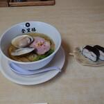 153632059 - ●桑名産地蛤 はまぐり塩ラーメン 1,380円                       (はまぐりの価格でラーメン価格も変動)                       ●焼きサバ寿司 250円