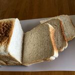 153633041 - 小麦色の「全粒粉食パン」