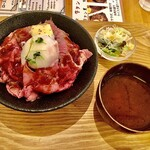 にくきゅう - ローストビーフ丼¥1,000