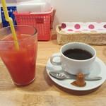 創作Dining Riabbra - ホットコーヒー、ブラッドオレンジ