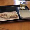 三枝うどん - 料理写真:ちくわを眺めながら待ちます
