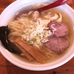 支那そば うみ - 料理写真:特製ワンタン麺
