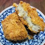 リヨンSUDA - 料理写真:熱々のコロッケ