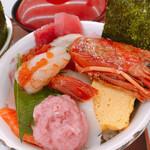 街のみなと まぐろパーク - 海鮮丼メガ盛り ¥1078