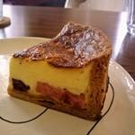 カフェ ド シャノアール - ベーコンとチーズのキッシュ、ふわふわなんです♡