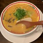 九州じゃんがららあめん - スープ