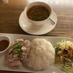 タイ料理 スワンナプームタイ -