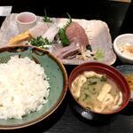 153694072 - 刺身定食(990円)