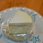 甘泉堂 亀屋 - 料理写真:チーズケーキ