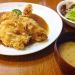 たま道 - デミチキンカツ(サラダ・ごはん・味噌汁付き)