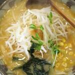 味噌一 - 料理写真:味噌一もやし(太麺・大盛)