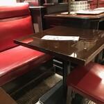 153702995 - テーブル席