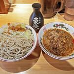 特選ラー油 肉そば 寅や - 料理写真:小つけ豚¥1,000
