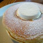 153706363 - クラシックバターミルクパンケーキ