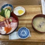 海鮮屋 - 海鮮丼の一式