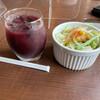 パスタ&ダイニング 福や - 料理写真:サラダとアサイージュース