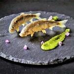 イタリアンレストラン ピーノ - 稚鮎のフリット サルサヴェルデ