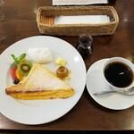 153733317 - トリプルテイストフレンチトースト + ベジャビスタコーヒー