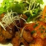 15374830 - 木曜日のランチは、鶏の中華ソテーとエビチリで680円