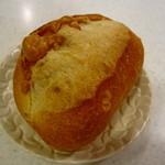 ウチキパン - これがお気に入りのチーズの入ったフランスパン