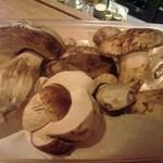 トラットリア フィオーレ - 次は、フレッシュポルチーニとホワイトマッシュルームです