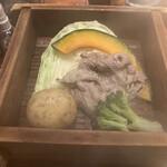 葱ぼうず - 牛肉と野菜のせいろ蒸し