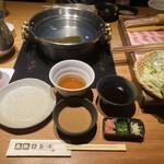 黒豚しゃぶしゃぶ 島津 - タレは3種類