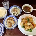鴻龍 - 咕咾肉(スブタ)、餃子セット