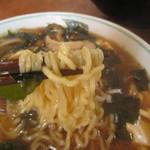 大花楼 - 大花楼ラーメン(780円) 麺