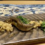 クリマ ディ トスカーナ - 郡上八幡 稚鮎コンフィ 焼きナス タイム  頭から尾まで柔らかく、内臓の苦味に丸ナスの甘みととろっとした食感がなんて美味しい組合せなのでしょう! この時期のお楽しみ、堪能しましたd(^_^o)