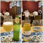 クリマ ディ トスカーナ - 左はイタリアのモレッティーがレモネードとビールで作ったビアカクテル、アルコール度数が2%ですからもう幾らでも飲んじゃえる美味しいジュースです(笑) 右は日本で唯一飲めるのはここだけのワインですよ♪