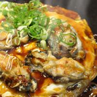 かみなり家 - 冬季限定☆新鮮牡蠣が入ったお好み焼き。