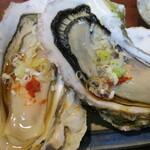丸千葉 - 殻付き牡蠣の、ウマイ時季じゃ♪