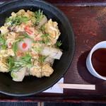 讃岐屋 雅次郎 - 海老と揚げ餅のぶっかけ(冷)   890円