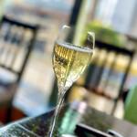 153840650 - スパークリングワイン。日本人醸造家の徳岡史子が手掛けた最高品質のゼクト。『JOSEF BIFFAR SEKT BIFFAR Non Dosage 2011』