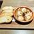 チーズとWINE - 料理写真:エビとマッシュルームのアヒージョ