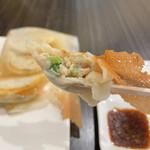 羽根付き餃子とイタリアンのお店 ベンヴェヌート - 断面
