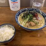 佐市 - 牡蠣らーめん  めし(無料)