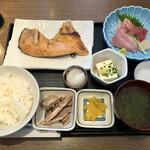 おいしい魚を食べさせる店 魚可津 - 魚可津御膳