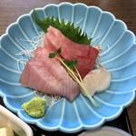 おいしい魚を食べさせる店 魚可津 - お刺身