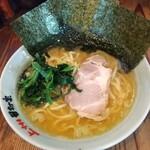 田村家 - 料理写真:ラーメン。硬め多め¥720