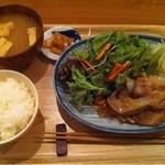 なか川 - 豚の生姜焼き定食